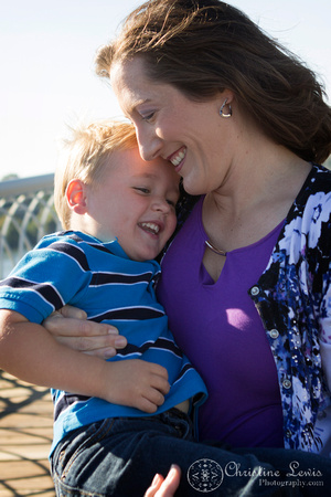 """family photo shoot, portrait session, chattanooga, TN, downtown, coolidge park, """"Christine Lewis Photography"""", outdoor, natural, lifestyle photography, walnut st bridge"""